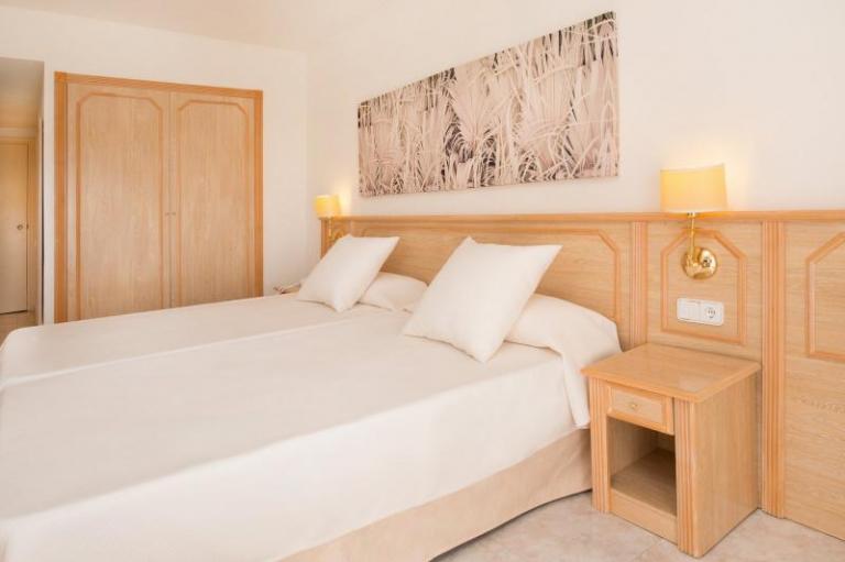 Hotel Ol� Galeon Ibiza