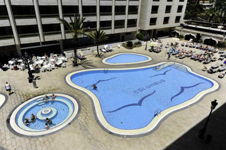 Aparthotel Kn Columbus - Mezza Pensione